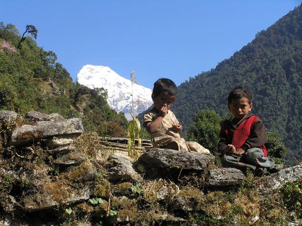 Nome:   nepal..tibet 091 bimbi annapurna.jpg Visite:  564 Grandezza:  76.7 KB