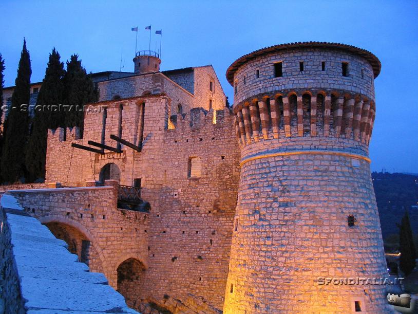 Nome:   CastelloSera_1024[1].jpg Visite:  474 Grandezza:  97.8 KB