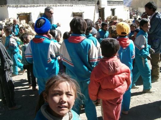 Nome:   HPIM0893 bimba tibet.jpg Visite:  89 Grandezza:  43.6 KB