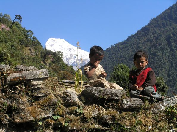 Nome:   nepal..tibet 091 bimbi annapurna.jpg Visite:  520 Grandezza:  76.7 KB